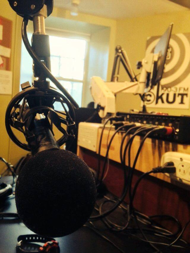 CKUT studio (by zak)